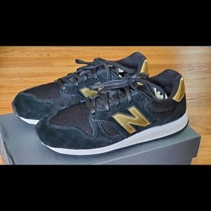 Brand new in box. Women's New Balance 520